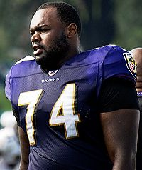 200px-Michael_Oher_Ravens_Training_Camp_August_5,_2009